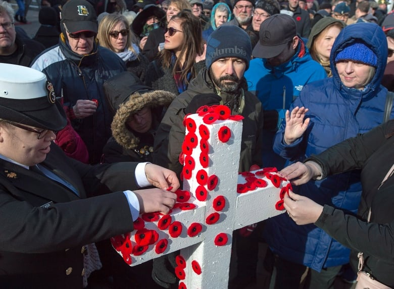 Remembrance Day ceremony in Ottawa highlights events across Canada | CBC News