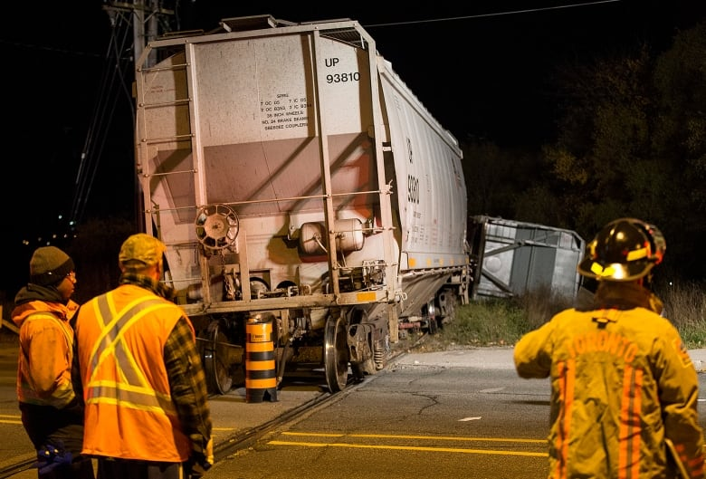 5 cars of freight train derail in Toronto, no one injured | CBC News